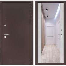 Входная металлическая дверь Лабиринт CLASSIC антик медный с Зеркалом Максимум Сандал белый
