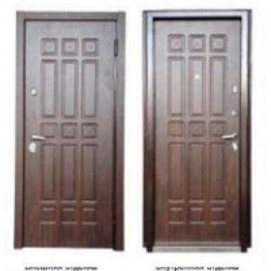 Металлическая дверь Персона Техно 3 моренный орех